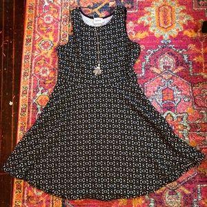 Leota Ava dress in Geo Jacquard size 2L